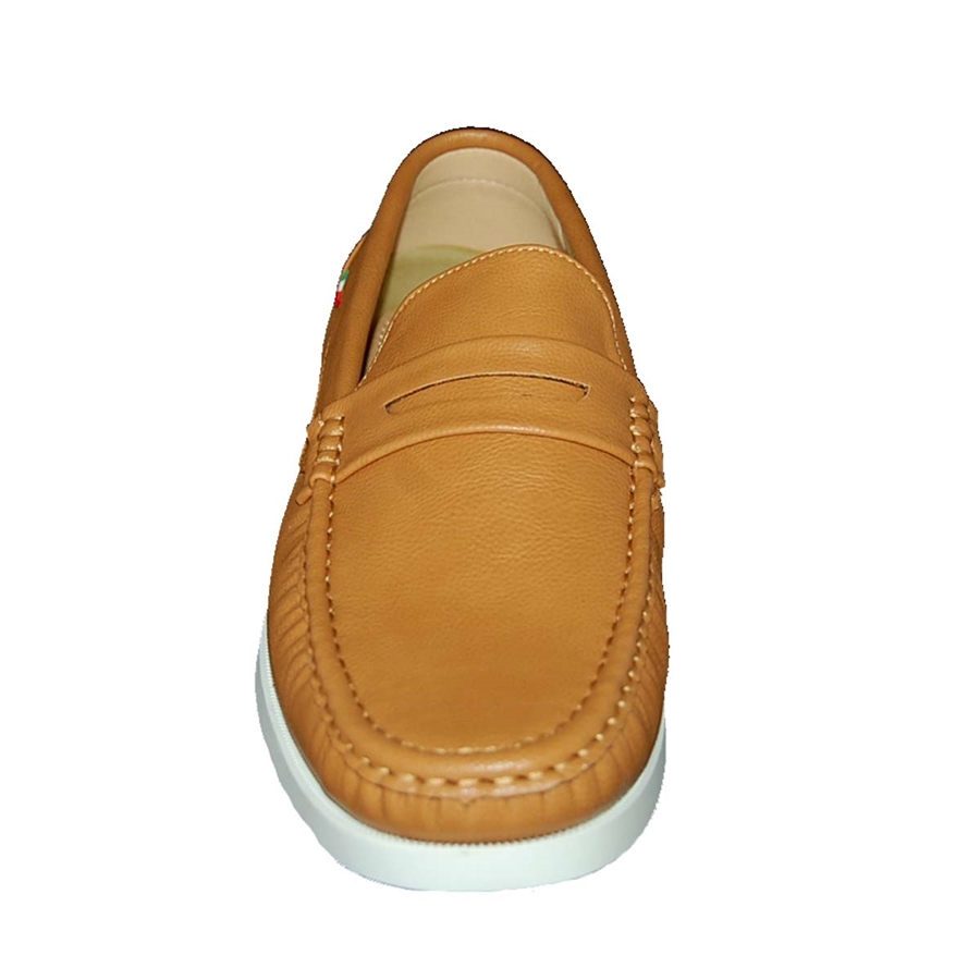 Shoe Factory: DESIGNER SHOE FACTORY STRAIGHT TO THE POINT CASUAL SHOE